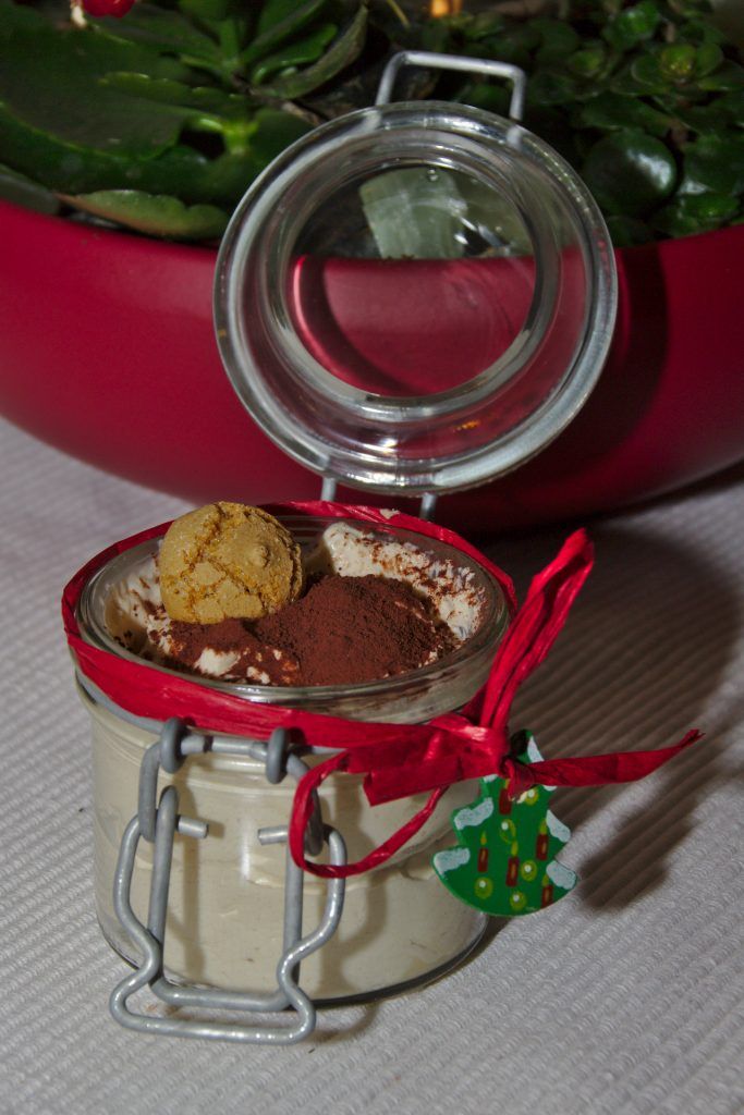 Serviervorschlag für Cappuccino-Creme